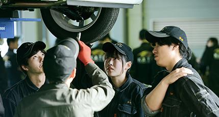 自動車整備科の画像